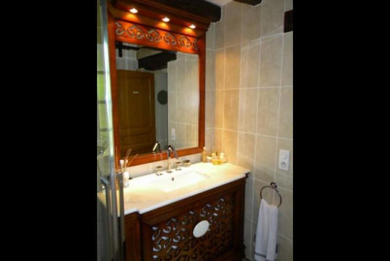 Salle de bains pour personne a mobilite reduite